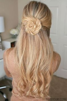 Flower styles make such cute hairstyles for long hair! Flower styles make such cute hairstyles for long hair! Fishtail Braid Hairstyles, Easy Hairstyles, Gorgeous Hairstyles, Flower Hairstyles, Hairstyle Ideas, Prom Hairstyles, Teenage Hairstyles, Cute Hairstyles For Wedding, Quinceanera Hairstyles