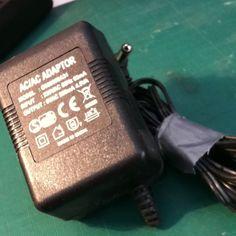 AC adaptador 230V 50hz 60mA 9V 500mA 4.5V