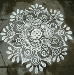 Explore latest easy rangoli design image ideas collection for Diwali. Here are amazing simple rangoli designs to decorate your home this festive season. Easy Rangoli Designs Diwali, Indian Rangoli Designs, Rangoli Designs Latest, Simple Rangoli Designs Images, Rangoli Designs Flower, Free Hand Rangoli Design, Rangoli Border Designs, Small Rangoli Design, Rangoli Patterns