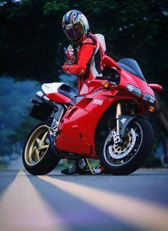 DUCATI 996 (via Ducati Passione Rossa)