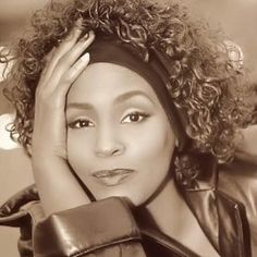See Whitney Houston pictures, photo shoots, and listen online to the latest music. Whitney Houston Young, Whitney Houston Pictures, Female Singers, Mariah Carey, Great Love, American Singers, Black Is Beautiful, Music Artists, Lady