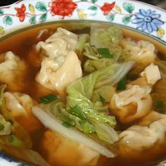 Won Ton Soup.I used baby bok choy instead of nappa cabbage. Even the hubs liked it, although I was informed, SOUP IS NOT A MEAL. Oh yes it is, Banya. Easy Soup Recipes, Top Recipes, Chef Recipes, Asian Recipes, Cooking Recipes, Ethnic Recipes, Copycat Recipes, Yummy Asian Food, Yummy Food