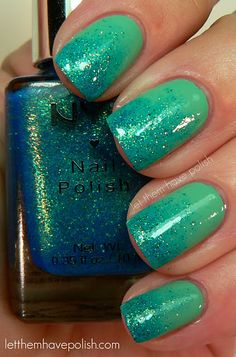Mermaid nails -sea foam green with gradient metallic blue glitter Fancy Nails, Love Nails, How To Do Nails, Pretty Nails, My Nails, Sparkle Nails, Glitter Nails, Polish Nails, Prom Nails