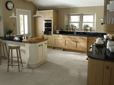 Design & buy your Malton Oak kitchen online. All of our Malton Oak kitchen units, doors & accessories are available to order today at trade prices from DIY Kitchens. Shaker Kitchen, Kitchen Units, Wooden Kitchen, Ikea Kitchen, Kitchen Interior, Kitchen Decor, Kitchen Ideas, Narrow Kitchen, Kitchen Tile
