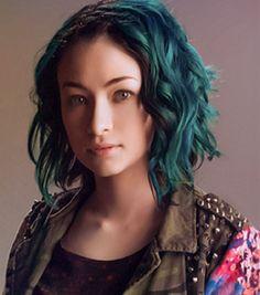 Jodelle Ferland hair color