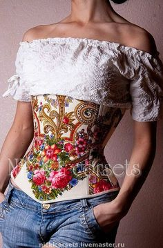 The corset is made of the present Pavloposadskiye handkerchief. It has 14 metal bones, lining cotton. Utjazhki waist from 10 cm . is possible to produce other colors. Fabric is not included in the price. Corset Sexy, Corset Outfit, Corset Blouse, Corset Tops, Underbust Corset, Motif Corset, Cool Outfits, Fashion Outfits, Womens Fashion