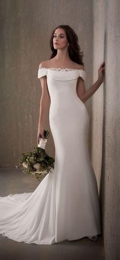 Wonderful Perfect Wedding Dress For The Bride Ideas. Ineffable Perfect Wedding Dress For The Bride Ideas. Crepe Wedding Dress, Elegant Wedding Dress, Perfect Wedding Dress, Dream Wedding Dresses, Bridal Dresses, Lace Wedding, Rustic Wedding, Luxury Wedding, Mermaid Wedding