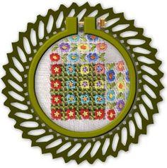 tambora redonda verde con esquina de flores
