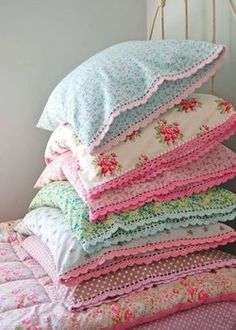 shabby chic cottage homemade pillow cases with crochet edges Homemade Pillow Cases, Homemade Pillows, Crochet Trim, Knit Crochet, Crochet Pillow, Quilt Pillow, Crochet Fringe, Quick Crochet, Crocheted Lace