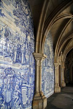 Azulejo Art on walls of Portuguese monasteries. Fascinating.    #azulejo #portuguese #art #palace #beautiful #portugal #historical #architecture