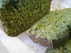 incredible hulk bread - made with quinoa, flax, buckwheat, andddd spirulina