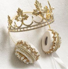 These Crown Headphones Are Fit for a Queen Crown Headphones, Cute Headphones, Cute Jewelry, Jewelry Accessories, Diamond Crown Ring, Princess Tiara, Accesorios Casual, Aquamarine Blue, Things To Buy