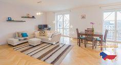 Квартиры / 3-комн. / 3+КК, Прага, Matoušova, 460 000 € http://portal-eu.ru/kvartiry/3-komn/3+kk/realty414/  Предлагается на продажу квартира 3+КК класса люкс площадью 108 кв.м с балконом в районе Прага 5 – Смихов стоимостью 460 000 евро. Квартира находится на пятом этаже шестиэтажного дома и состоит из просторной гостиной, совмещенной с кухней, балкона 6 кв.м, откуда открывается красивый вид на парк, двух спальных комнат, ванной комнаты с угловой ванной и отдельного санузла. В квартире была…