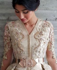 Romeo haute couture Truly a bridal style kaftan Style Oriental, Oriental Dress, Oriental Fashion, Arab Fashion, Lux Fashion, Fashion Dresses, Moroccan Bride, Moroccan Caftan, Morrocan Fashion