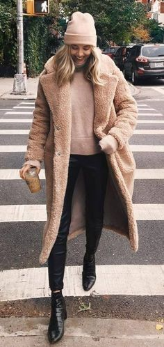 16 Teddy Coat Outfit Ideas That Are Super Cozy. Maxi Kleider · Styling  Tipps ... 3e636776a4