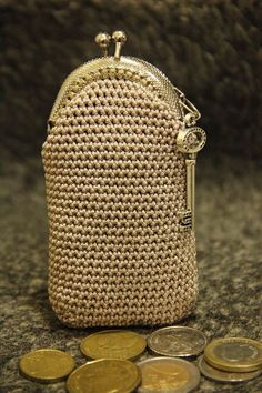 Crochet Coin Purse, Crochet Tote, Crochet Handbags, Crochet Purses, Crochet Shawl, Knit Crochet, Frame Purse, Pouch Bag, Knitting Stitches