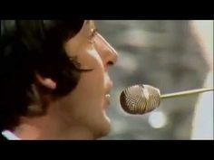 The Beatles - Hey Jude [OFFICIAL MUSIC VIDEO]