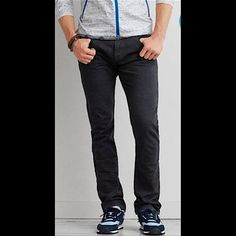 📌🔴 Express men's slim straight jeans 32/30 100% Cotton NO TRADES 🙅🏻 ALL REASONABLE OFFERS ARE ACCEPTED 😊👍🏽 NO LOWBALLERS!!! 😒✌🏽️✌🏽 LET'S BUNDLE!!!! 🎋🎉🎁🎊🎈 American Eagle Outfitters Jeans