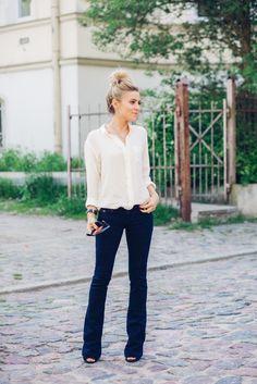 bootcut jeans kombinieren diese 3 fehler solltet ihr unbedingt vermeiden sommer styles. Black Bedroom Furniture Sets. Home Design Ideas