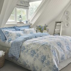 Choose from a great range of Duvet Covers. Including Bed Linen, Duvet Sets, and Single Duvet Covers. Free UK mainland delivery when you spend and over. King Bedding Sets, Bedding Sets Online, Luxury Bedding Sets, Comforter Sets, Bed Sets For Sale, Bed Linen Online, Bed Linen Design, Luxury Bedding Collections, Bed Linen Sets
