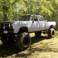 Dodge 1982 dually converted to 4 WD Single rear wheel and long bed. Mavericks with Goodyear MTV's Dodge Pickup, Dodge Cummins, Dodge Trucks, Old Trucks, First Gen Cummins, Dodge Ram Crew Cab, Drag Racing, Auto Racing, Truck Quotes