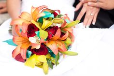 what a fun, bright bouquet.  love the painted calla lilies