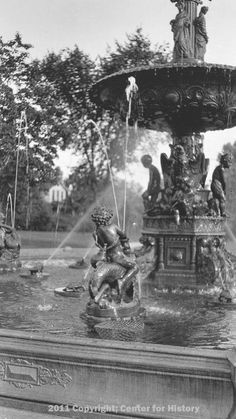 Howard Park Fountain ca 1920 South Bend Indiana, Big Shot, Family History, Fountain, Automobile, Park, Electric, Childhood, Car