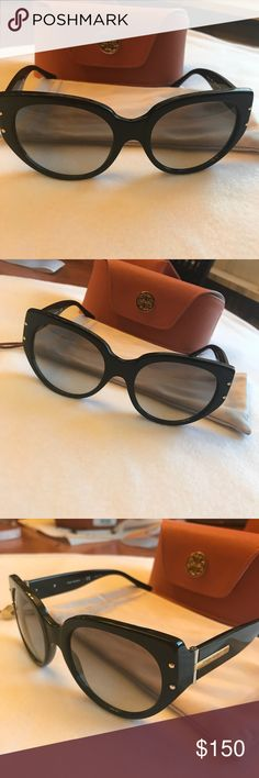 NWT Tory Burch Sunglasses NWT Tory Burch Sunglasses! Classic black with gold and silver hard ware! Comes with soft cover and hard case! Cat eye sunglasses with a retro appeal! Tory Burch Accessories Sunglasses