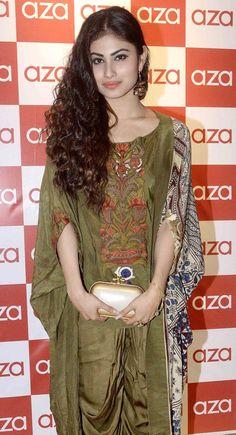 Varun Dhawan and Gautam Gulati at Aza collection launch Beautiful Indian Actress, Beautiful Actresses, Bollywood Fashion, Bollywood Actress, Indian Dresses, Indian Outfits, Mouni Roy Dresses, Mauni Roy, Tv Girls