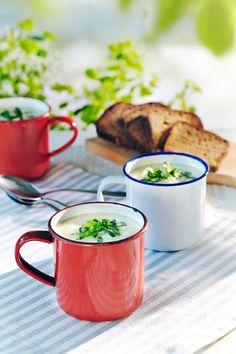 Pehmeä kukkakaalisosekeitto | K-ruoka #kaali Soup Recipes, Cooking Recipes, Moscow Mule Mugs, Food And Drink, Tableware, Kitchen, Dinnerware, Cooking, Cucina