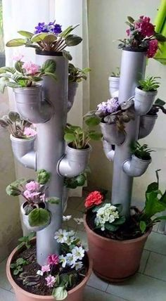 You have a small garden but do not know how to decorate. Only with a few steps and re-purposed stuff you can create a beautiful flower tower. These Beautiful DIY Flower Tower Ideas are perfect ways to brighten up your yard. Hydroponic Gardening, Container Gardening, Indoor Gardening, Organic Gardening, Garden Compost, Urban Gardening, Gardening Shoes, Vegetable Gardening, Garden Crafts