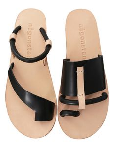 Leather Sandals Flat, Leather Slippers, Leather Shoes, Mens Fashion Shoes, Fashion Sandals, Shoes Sandals, Comfortable Mens Dress Shoes, Adidas Shoes Women, Adidas Men