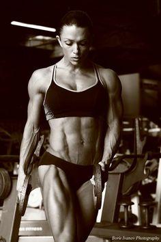 Oksana Grishina Talks with Muscle Shred