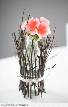 flowers with twig vase - super easy DIY Band Engagement Ring, Wedding Engagement, Vase Transparent, Ring Crafts, Nature Decor, Ikebana, Natural Diamonds, Wedding Decorations, Decor Wedding