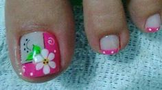 Lindas Pedicure Designs, Creative Nail Designs, Pedicure Nail Art, Toe Nail Designs, Toe Nail Art, Creative Nails, Cute Toe Nails, Summer Toe Nails, Flower Nail Art