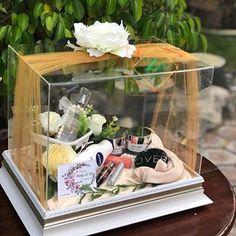 Wedding Hamper, Wedding Gift Baskets, Wedding Gift Boxes, Wedding Keepsakes, Wedding Crafts, Diy Wedding Decorations, Wedding Stage Design, Wedding Rituals, Engagement Gifts