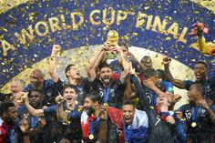 2018 World Cup Champion Olivier Giroud of France celebrates with teammates. Antoine Griezmann, France World Cup 2018, France Team, Pogba Dab, Hugo Lloris, Football Mondial, Manchester United Transfer, Word Cup, Beast