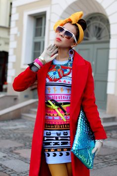 Scarf Style Swoon: Tamara of Macademian Girl Colourful Outfits, Colorful Fashion, All Fashion, Fashion Outfits, Custom Made Shoes, Tribal Dress, Scarf Styles, Bellisima, Her Style