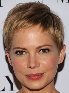 Michelle Williams Pixie - Pixie Lookbook - StyleBistro