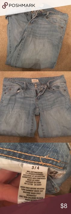 Aeropostale Jean capris Aeropostale Jean capris, good condition! Aeropostale Jeans Ankle & Cropped