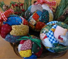 Quilted Christmas Ball Ornaments   AllFreeChristmasCrafts.com
