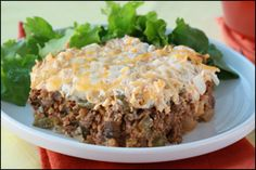 "Hungry Girl's Hungry Duke Casserole -- A spin on the ""John Wayne Casserole. Low Calorie Recipes, Ww Recipes, Cooking Recipes, Healthy Recipes, Hungry Girl Recipes, Eating At Night, American Hustle, Skinny Recipes, Ground Beef Recipes"