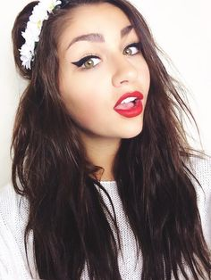 Image about andrea russett in Beautiful People💖 by ❀ Beauty Makeup, Hair Makeup, Hair Beauty, Makeup Style, Beauty Stuff, Different Hairstyles, Cute Hairstyles, Pretty People, Beautiful People