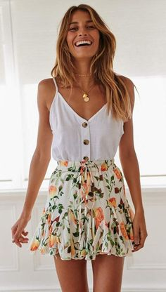 Cute Summer Outfits For Women And Teen Girls Casual Simple Summer Fashion Ideas. Clothes for summer. Summer Styles ideas Trending in Cute Summer Outfits, Casual Outfits, Cool Outfits, Casual Summer, Floral Outfits, Floral Dresses, Summer Clothes For Teens, Summer Wear For Women, Cute Summer Shirts