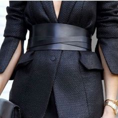 .Details | Thick belt | Fashion tips| Belted coat | Black belt | Combos to try this fall | winter | Scarves | Jackets | Hats | Belts | Cardigans | Blanket scarf