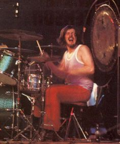 A site dedicated to John Bonhams's various drums kits throughout his life and career including of course with Led Zeppelin. Great Bands, Cool Bands, Robert Plant Led Zeppelin, Houses Of The Holy, John Bonham, Greatest Rock Bands, Rock Legends, Drum Kits, Rock Music