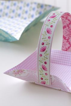 How to make a simple scrapbook paper basket