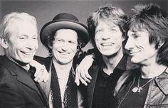 Reposting @ander_official: Rolling Stones anuncia lançamento de disco com gravações dos anos 60 - Música - Jovem Pan FM São Paulo 100.9  A maior e melhor rádio do Brasil é também a melhor na internet. http://crwd.fr/2xXLoLi  #amazing #awesome #musicaboa #song #music #news #singers #audio #instalike #sing #rollingstones #60s #newdisc