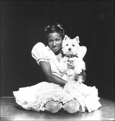 The original production, starring Stephanie Mills, opened January 1975 at the Majestic Theatre. Female R&b Singers, Soul Singers, Stephanie Mills, Royal Blood, Stage Play, Black Celebrities, Universal Pictures, White Dogs, Motown