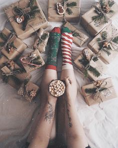 All wrapped up in holiday happiness!  @singer.m.o.m  #HappySocks #HappinessEverywhere